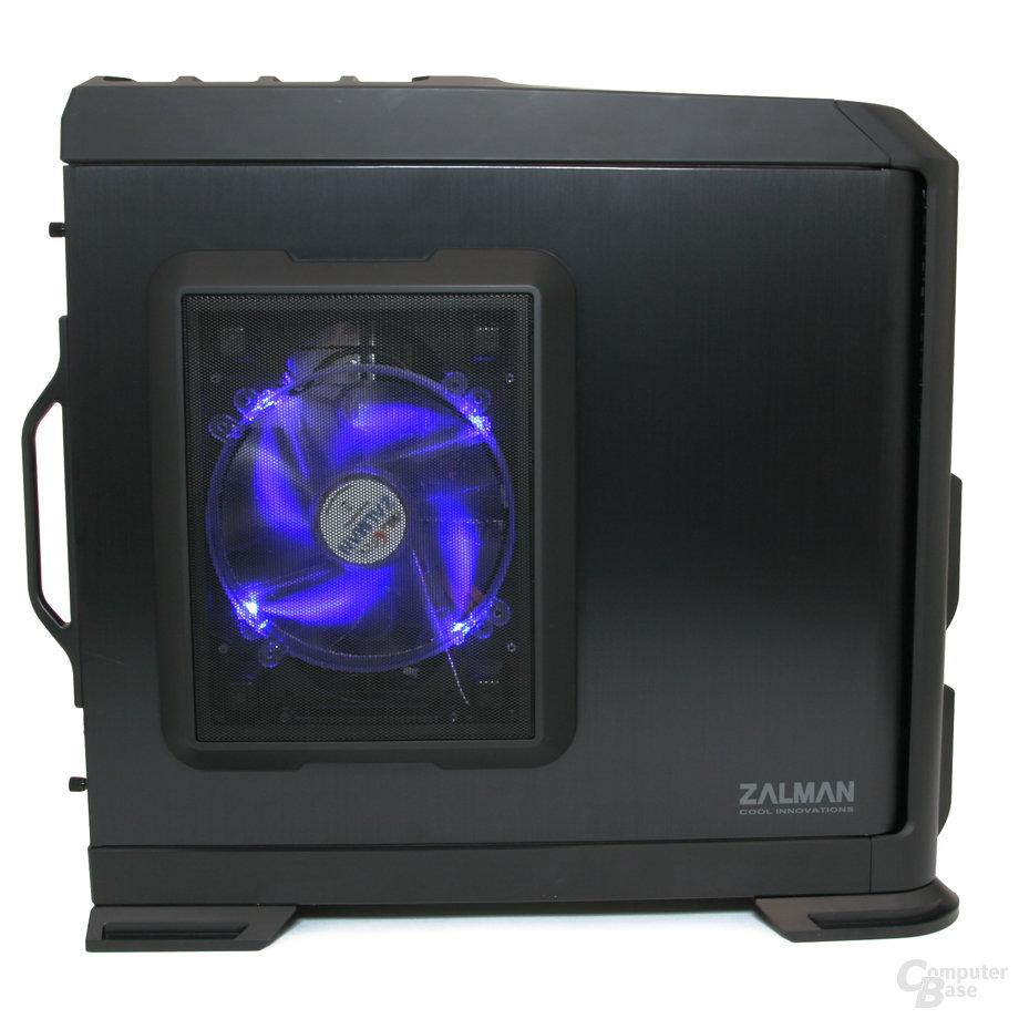 Zalman GS1200 – Seitenansicht beleuchtet