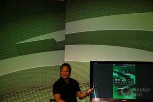 Nvidias CEO Jen-Hsun Huang spielt mit LG Optimus 2X