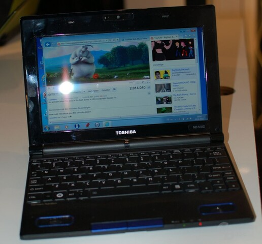 Toshiba mini NB550D