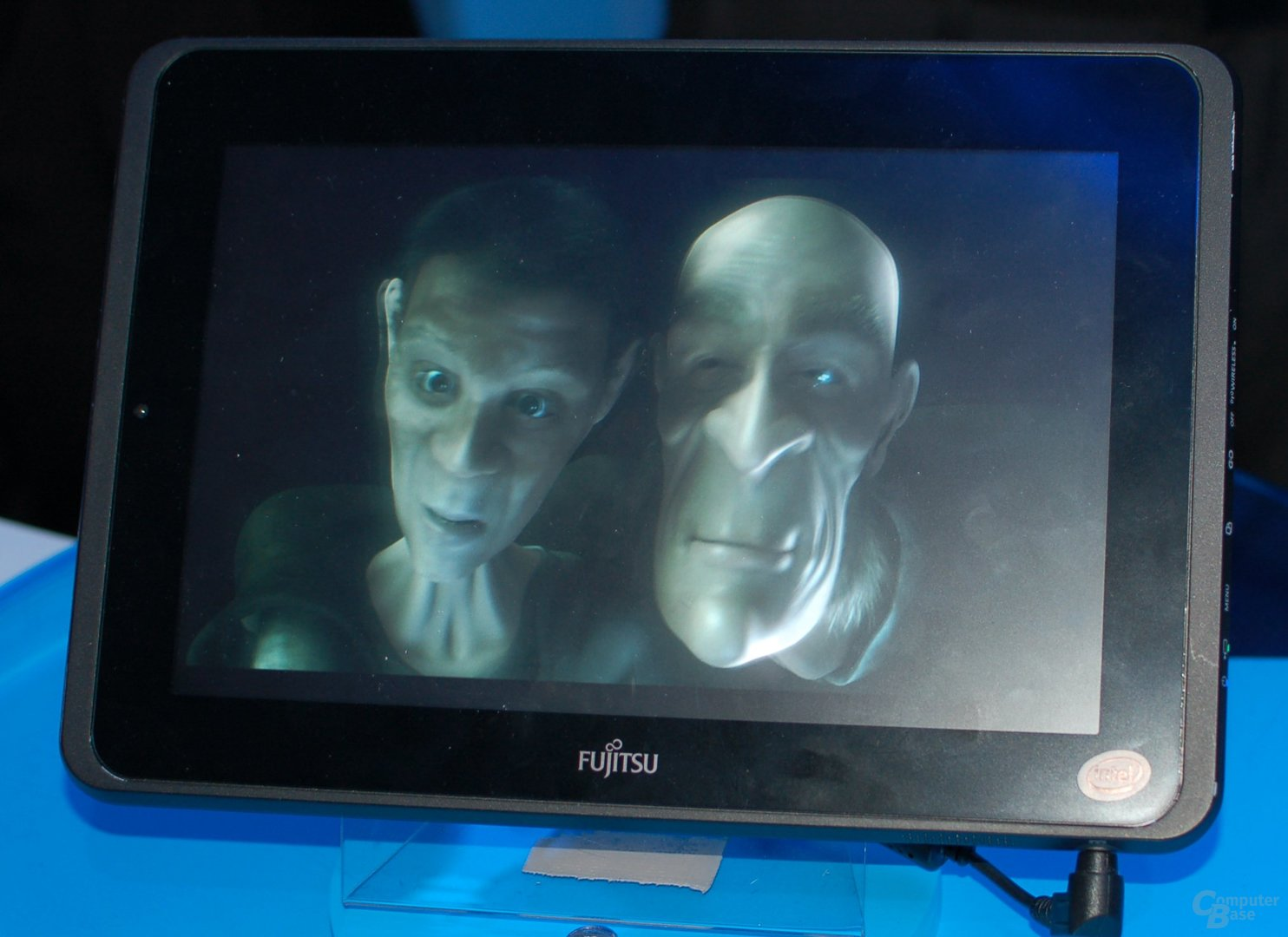CES 2011: Fujitsu-Tablet am Intel-Stand