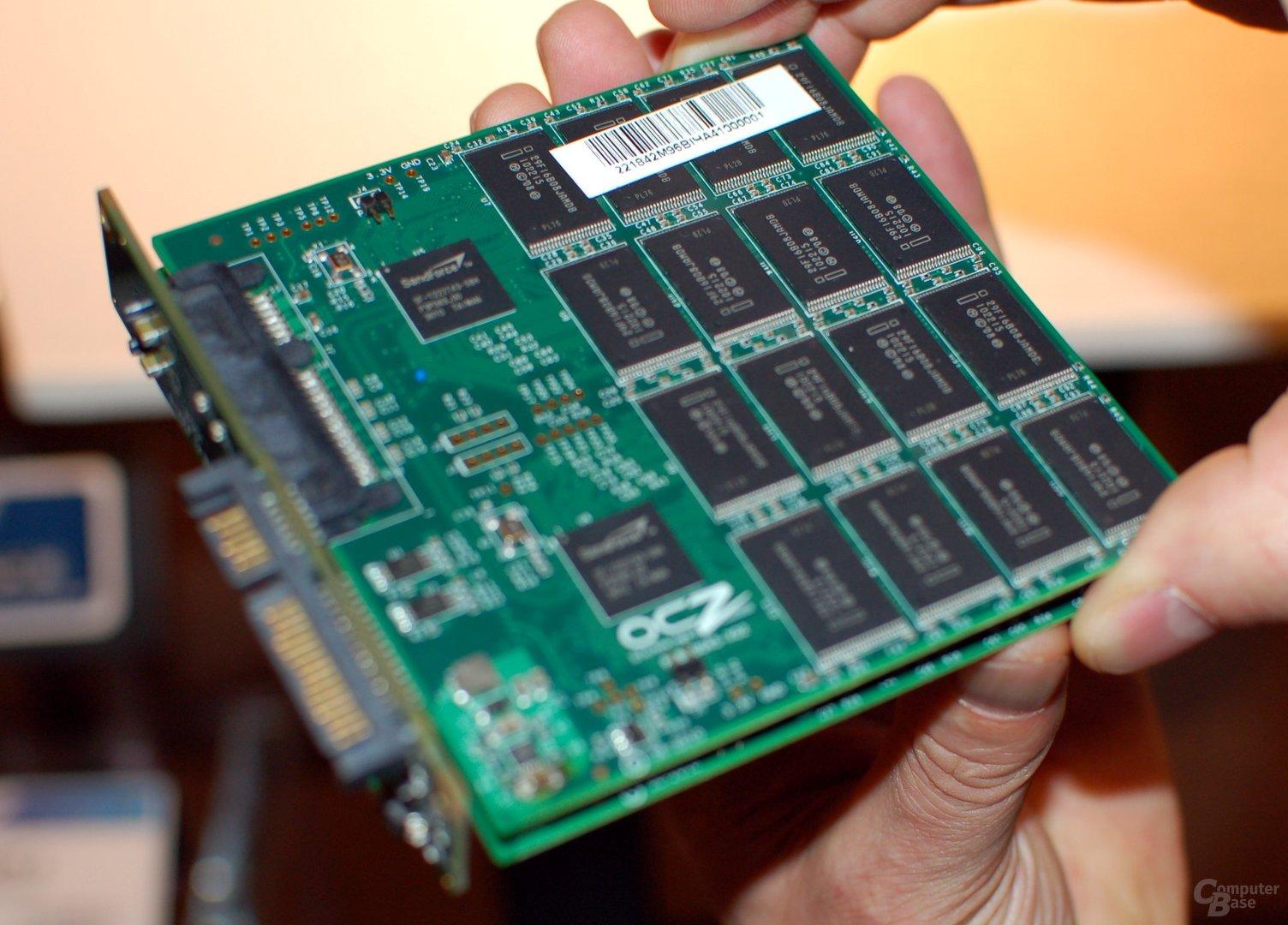 Colossus mit vier Controllern im JBOD