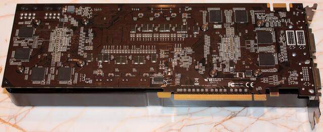Neue Dual-GPU-GeForce (GF110?) von EVGA