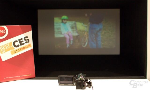 Full-HD-Camcorder mit eingebautem Pico-Projector