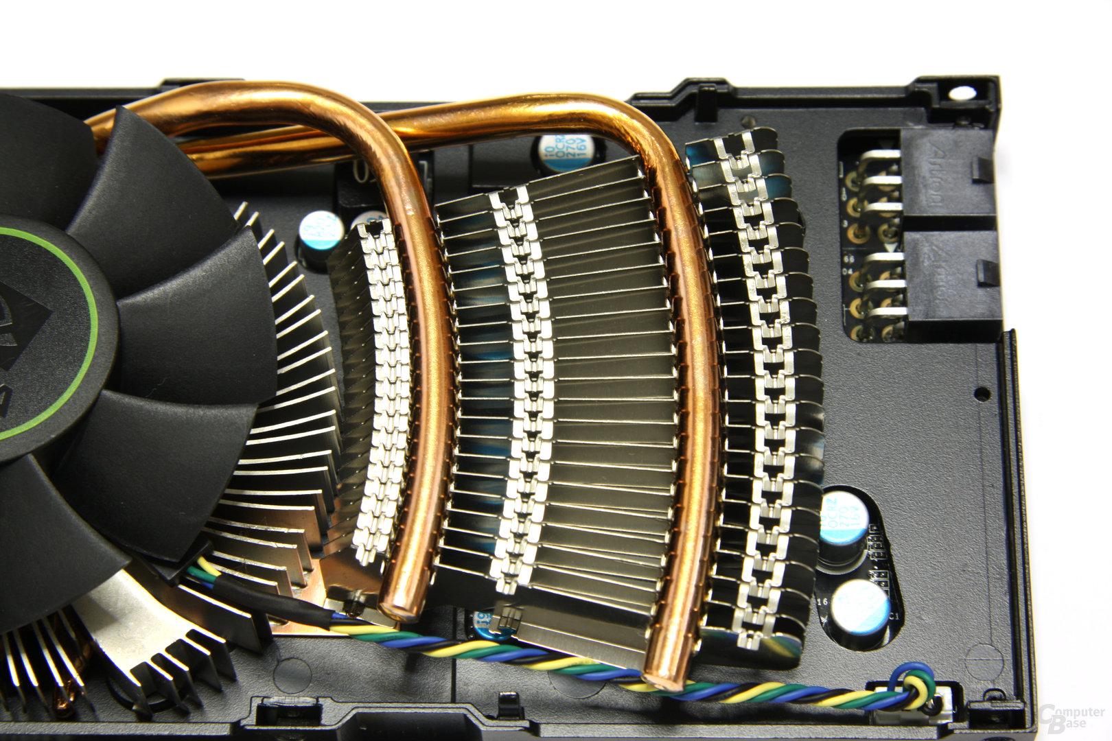GeForce GTX 560 Ti Heatpipes und Lamellen