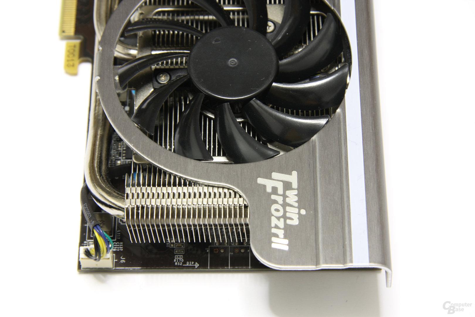 GeForce GTX 560 Ti TFII OC von oben