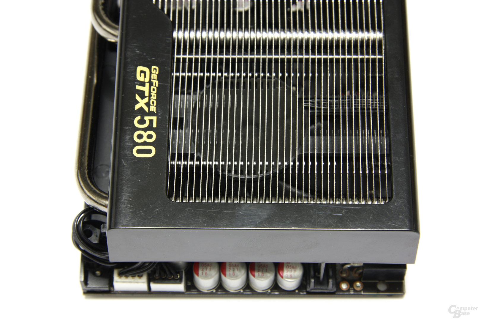 GeForce GTX 580 Phantom von oben