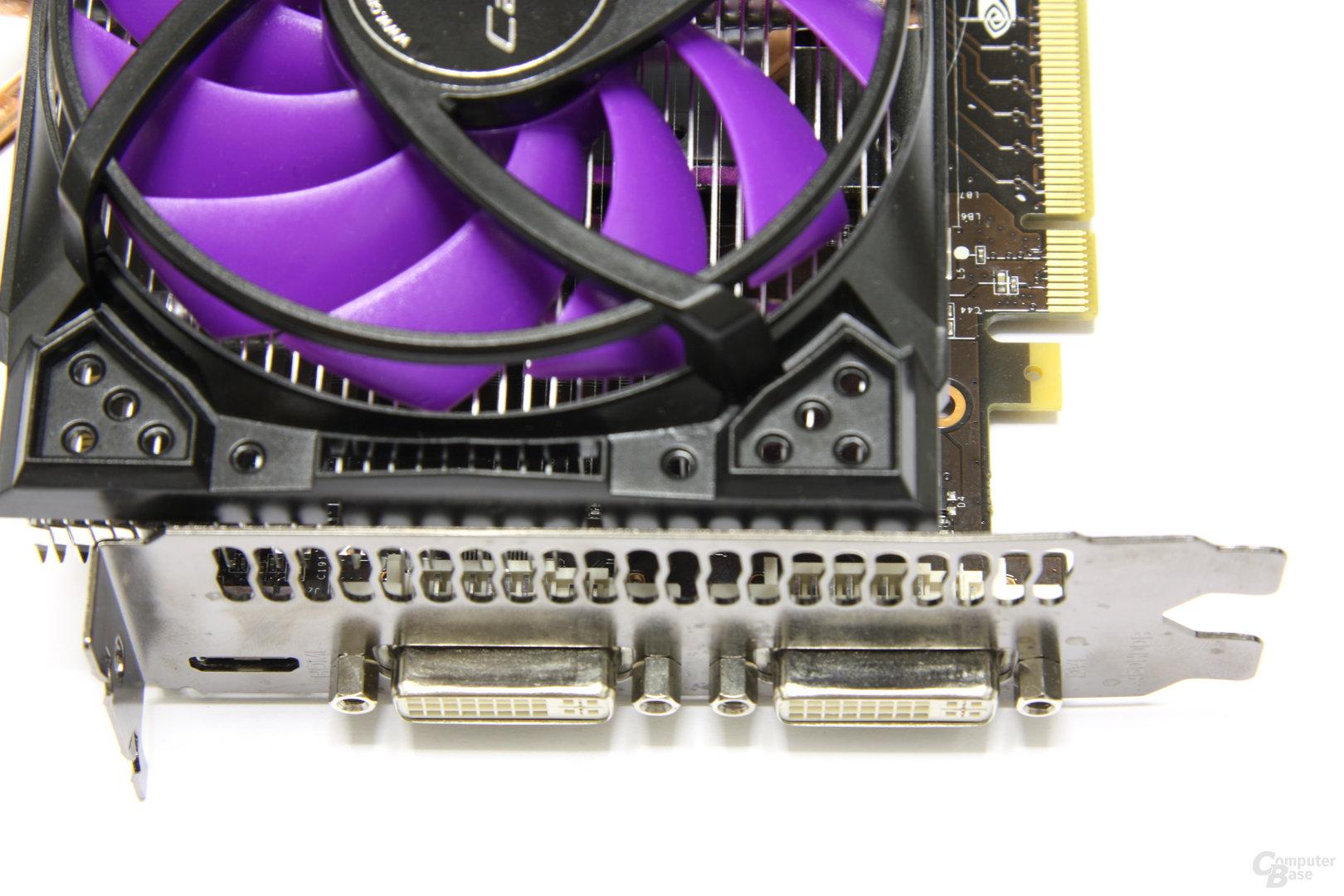 Calibre GTX 560 Super OC Anschlüsse