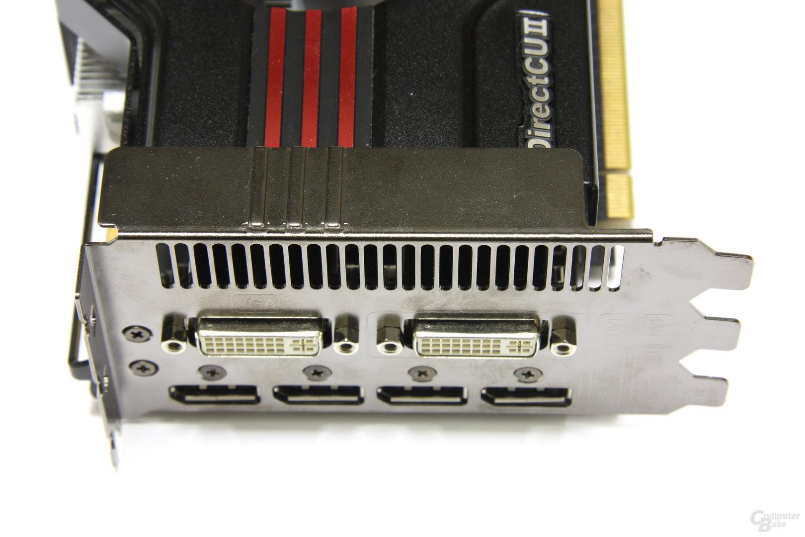 Radeon HD 6970 DirectCU II Anschlüsse
