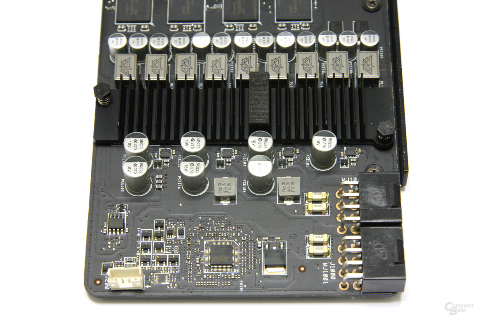 Radeon HD 6970 DirectCU II Bauteile 2