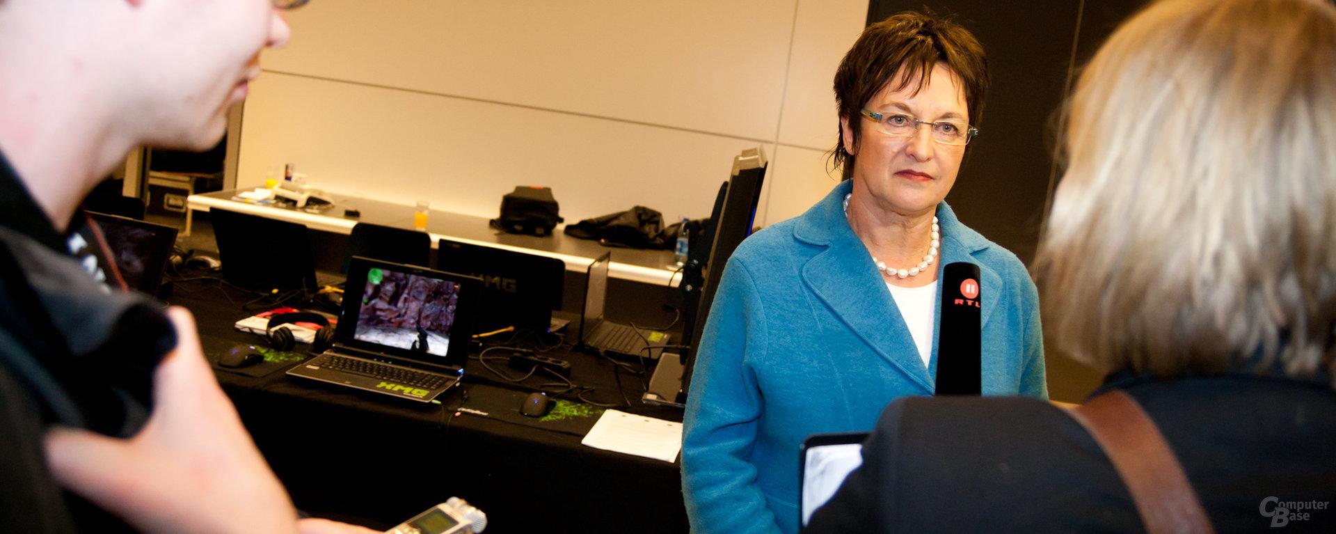 Brigitte Zypries – eine der wenigen bekannten Gesichter auf der Politiker-LAN