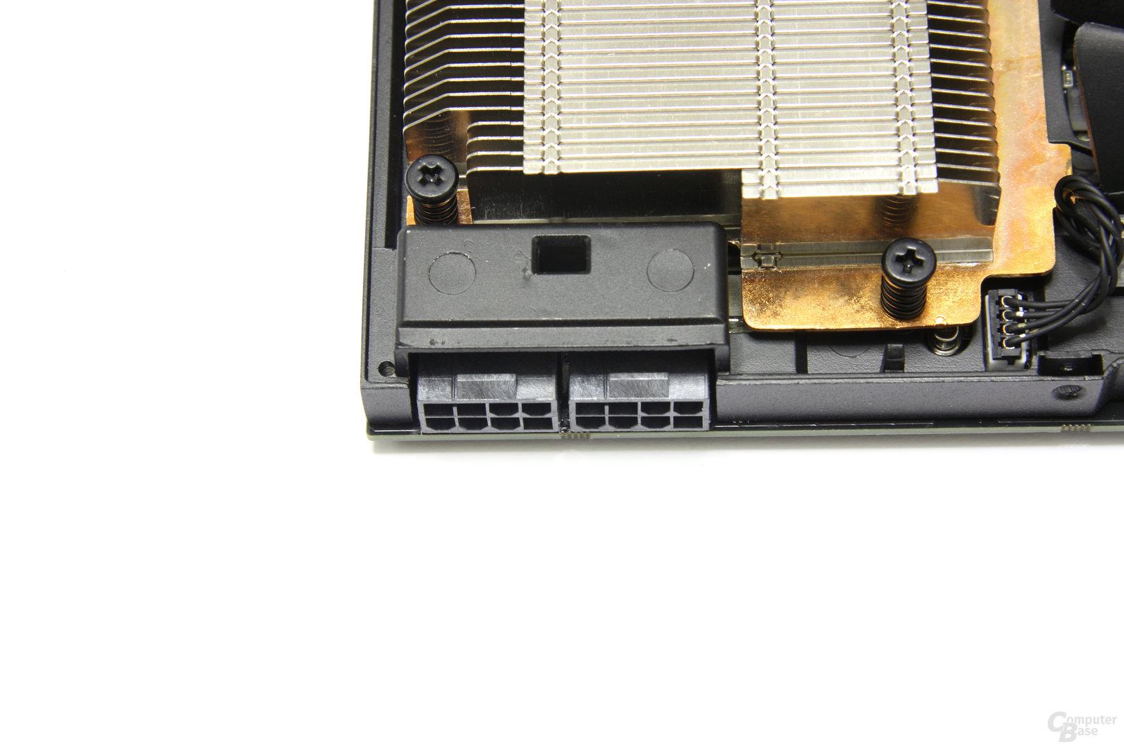 GeForce GTX 590 Stromanschlüsse
