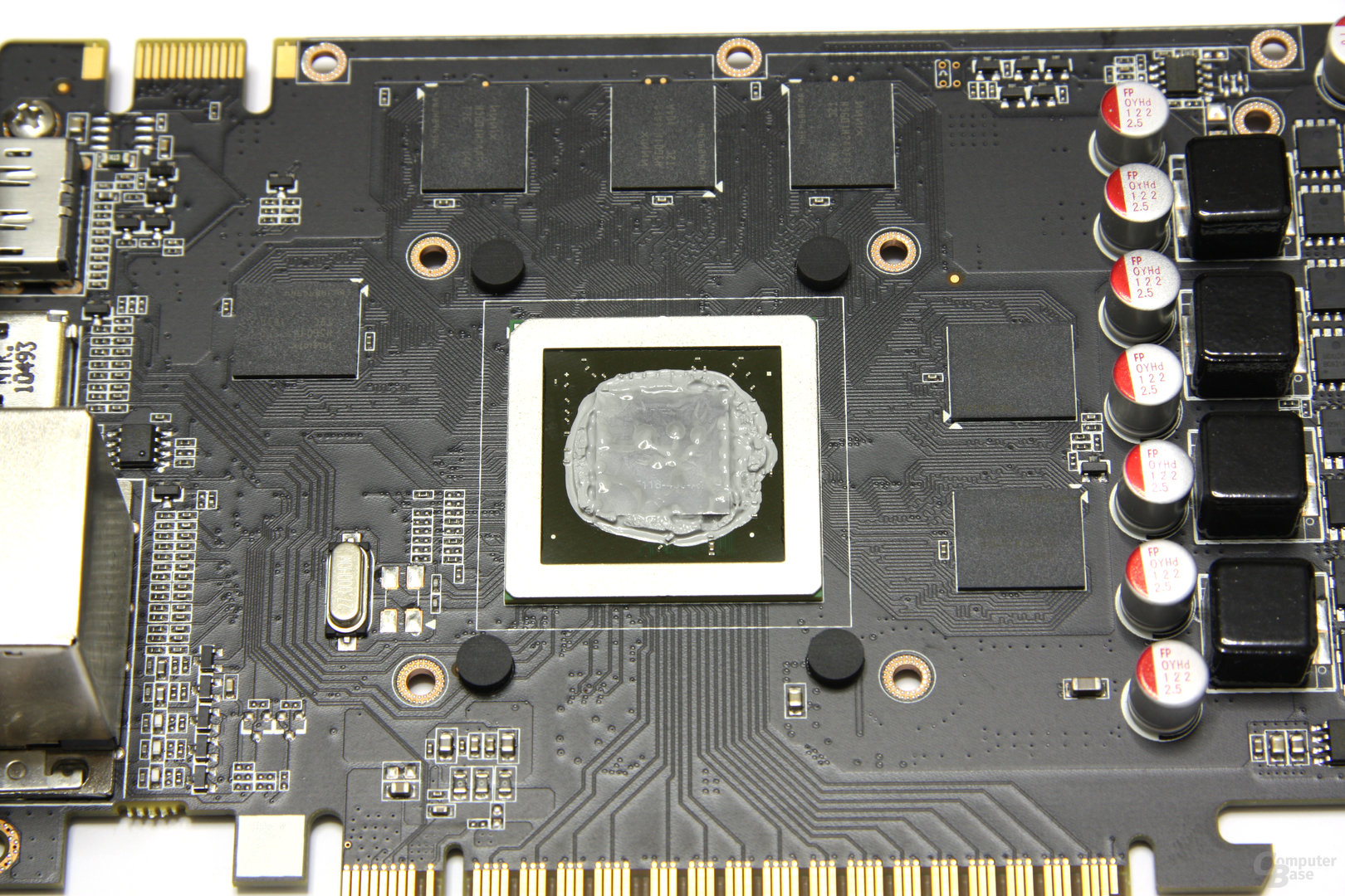 GeForce GTX 550 Ti AMP! GPU und Speicher