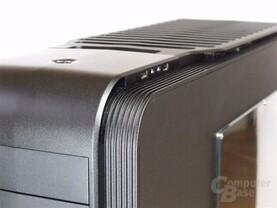 SilverStone TJ11 – Front Seite rechts