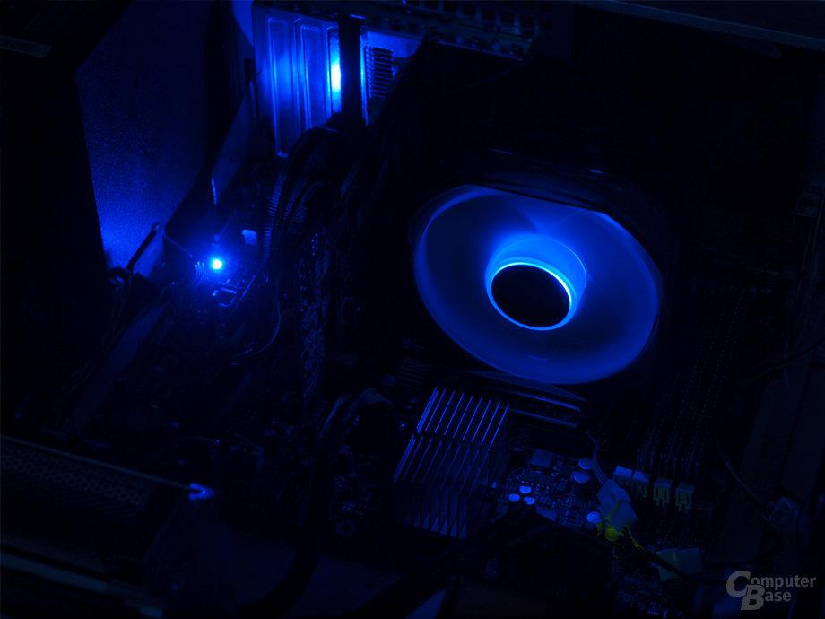 Blaue LED-Lüfterbeleuchtung des Zalman-Kühlers
