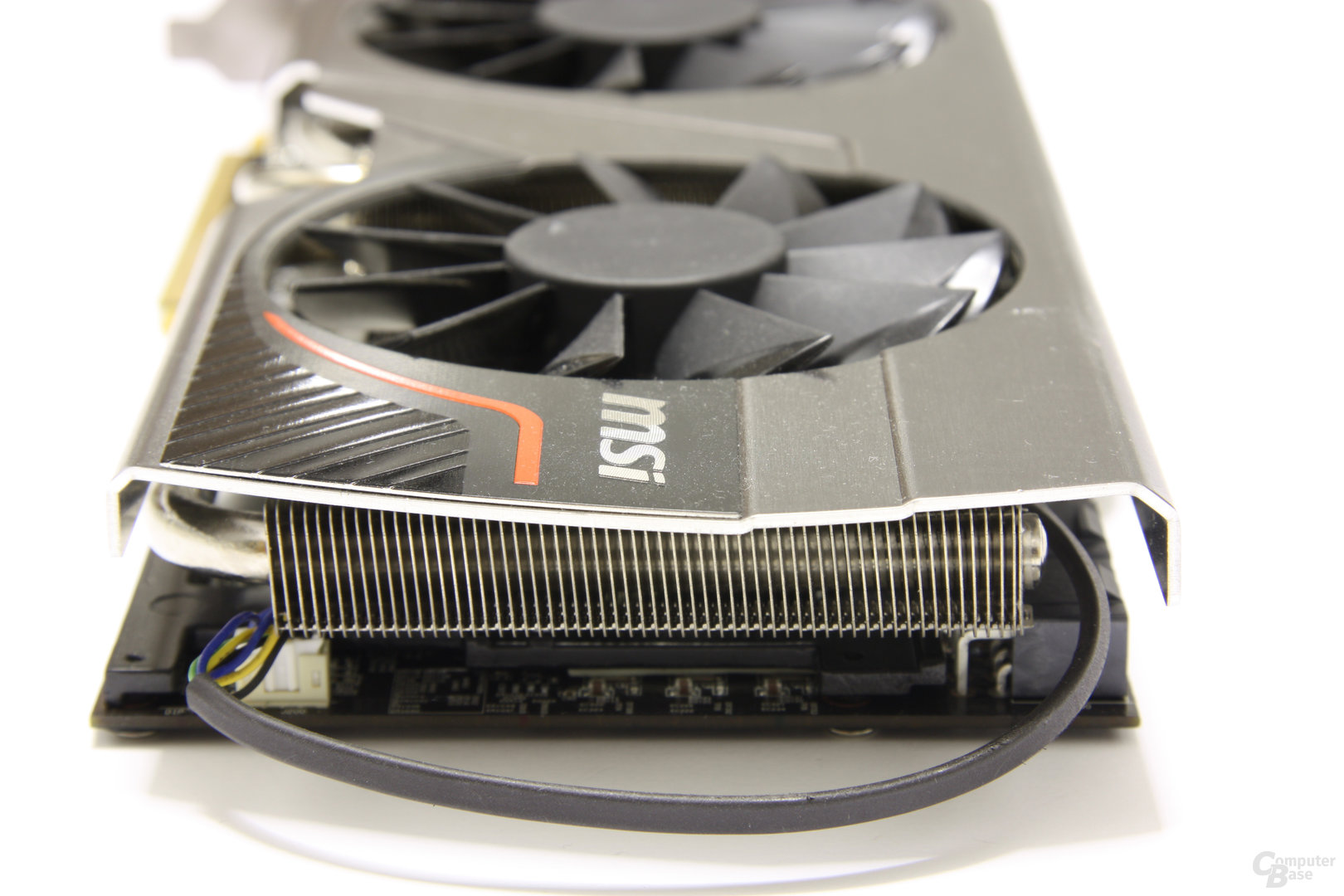 Radeon HD 6970 Lightning von hinten