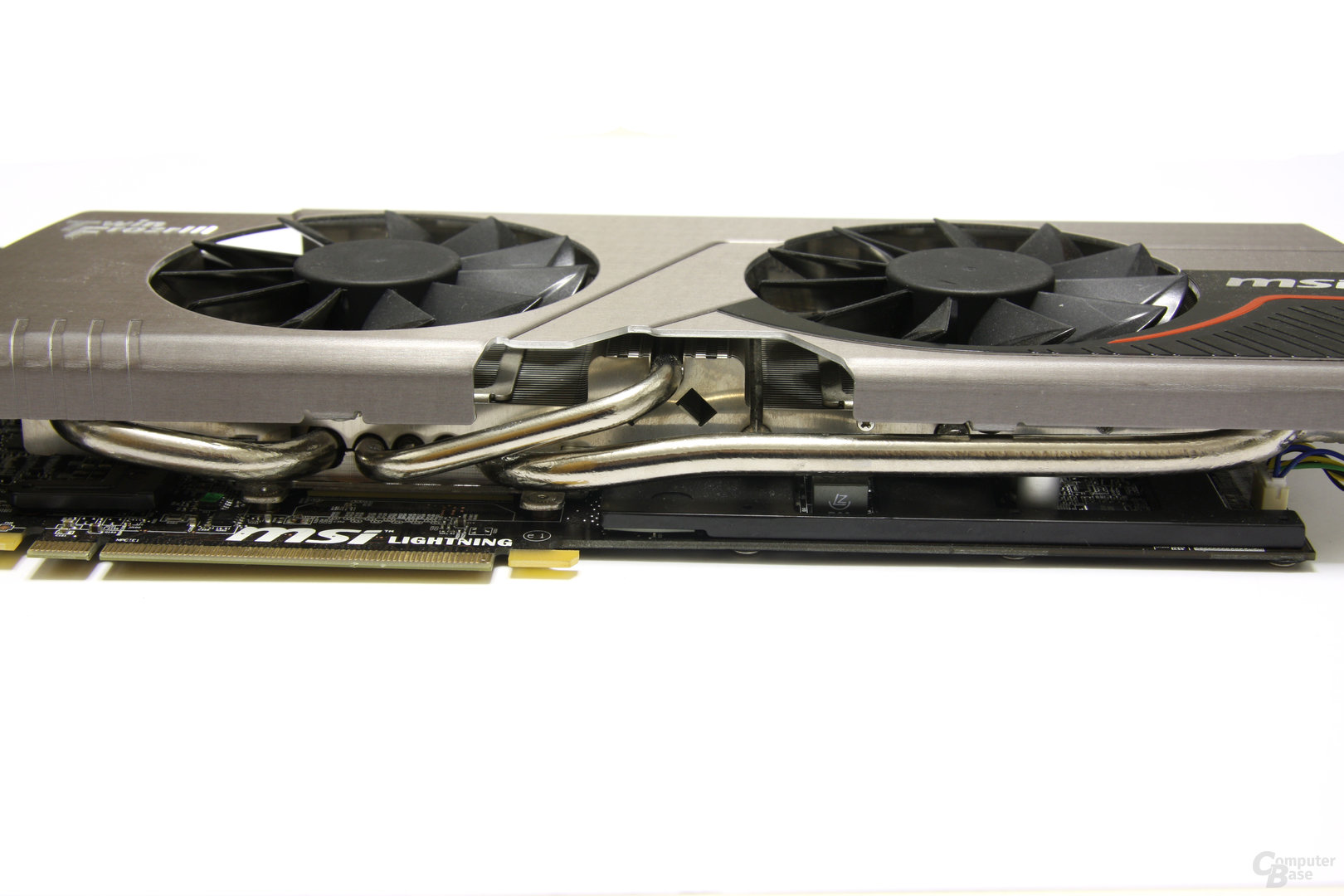 Radeon HD 6970 Lightning Heatpipes
