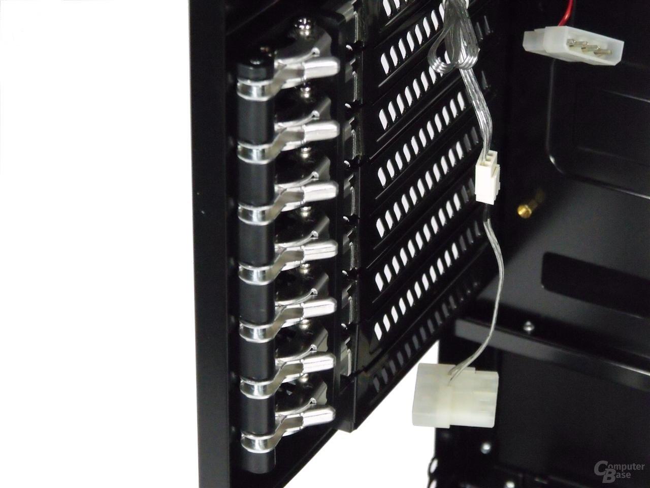 LanCool PC-K63 – Befestigung für Erweiterungskarten