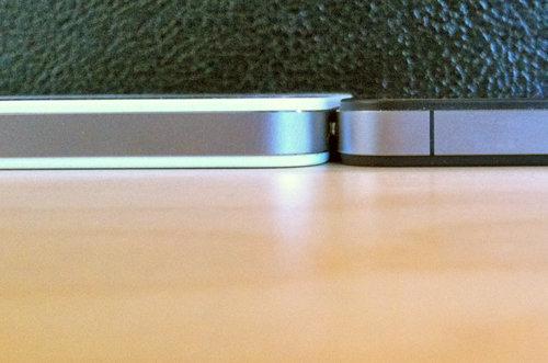 iPhone 4 – weiß und schwarz