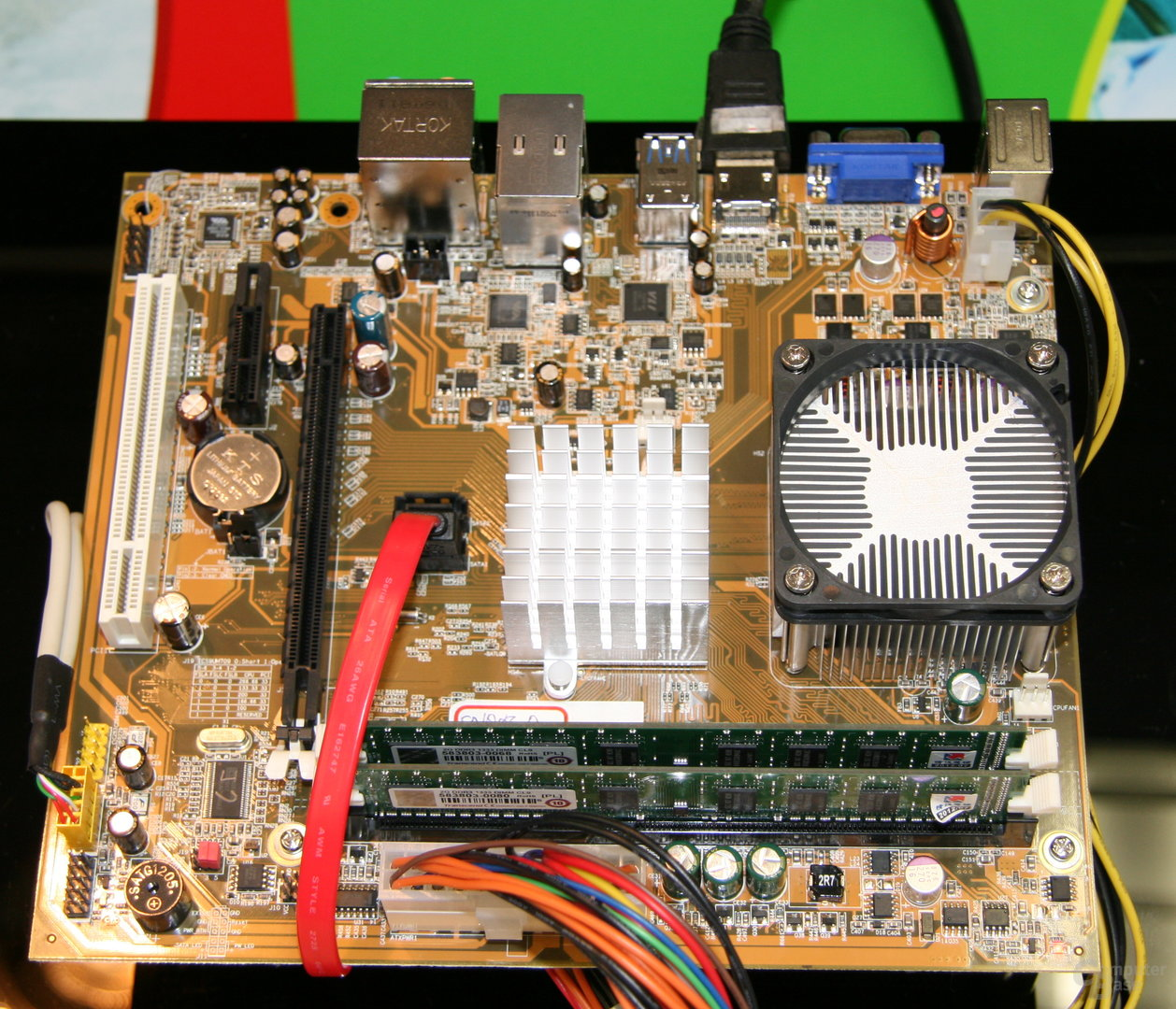 VIAs Quad-Core-Prozessor in Aktion