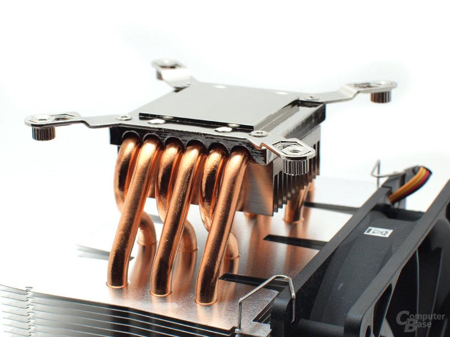 Haltebügel und Gewindemuttern für Intel