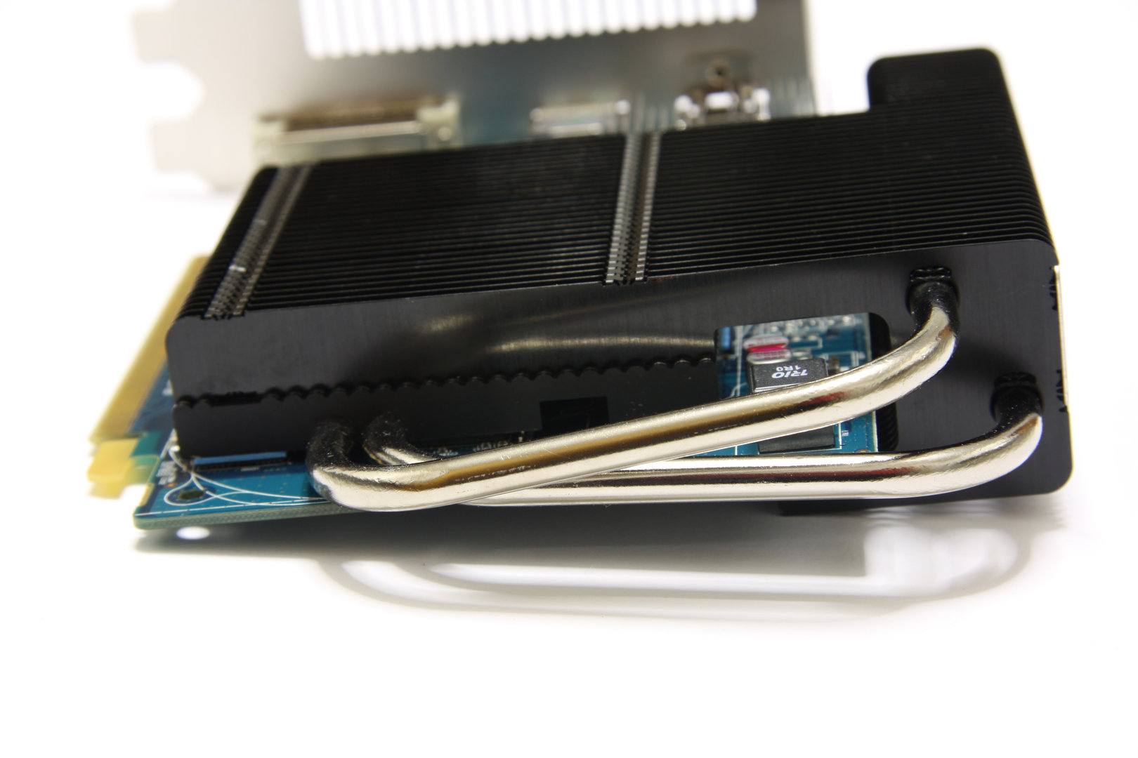 Radeon HD 6670 Ultimate von hinten