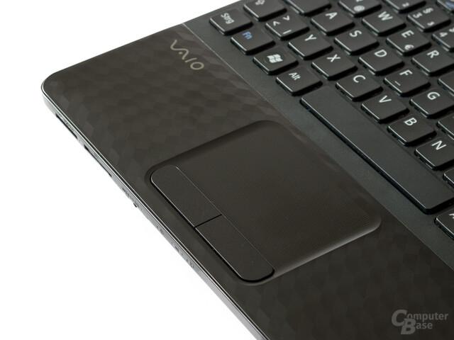 Touchpad mit mäßig verarbeiteten Tasten