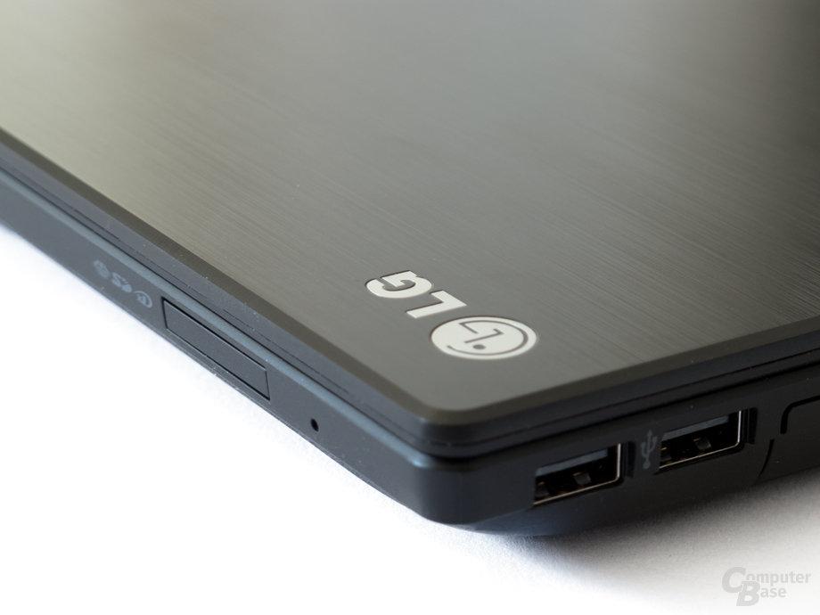LG P430: Anschlüsse auf der rechten Seite