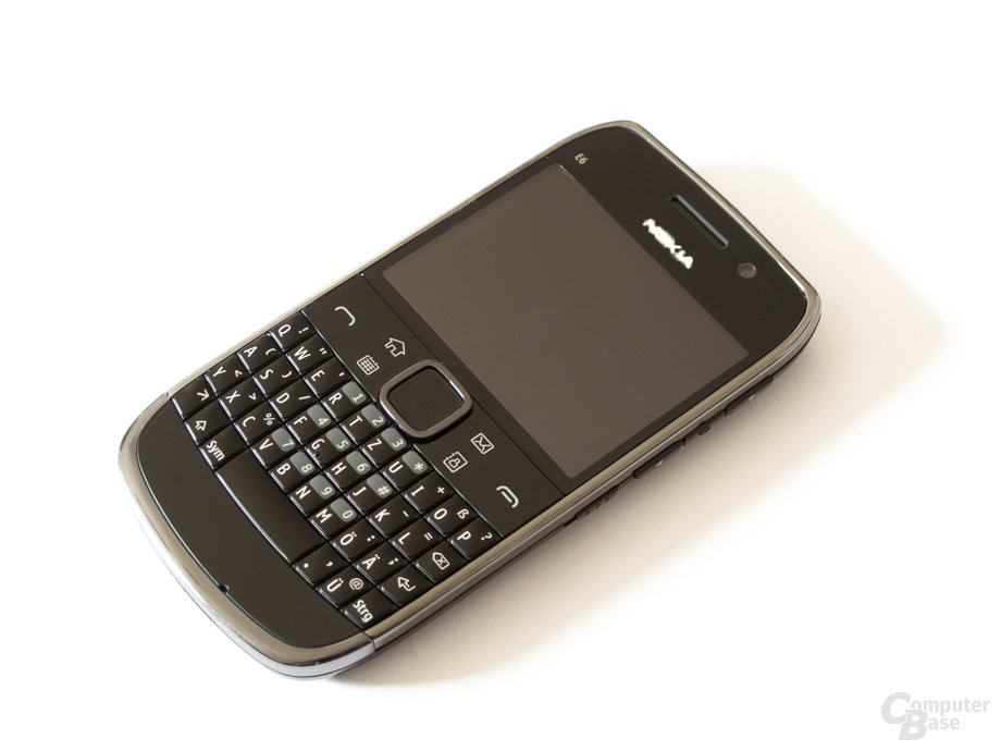 Nokia E6: Gute, beleuchtete QWERTZ-Tastatur