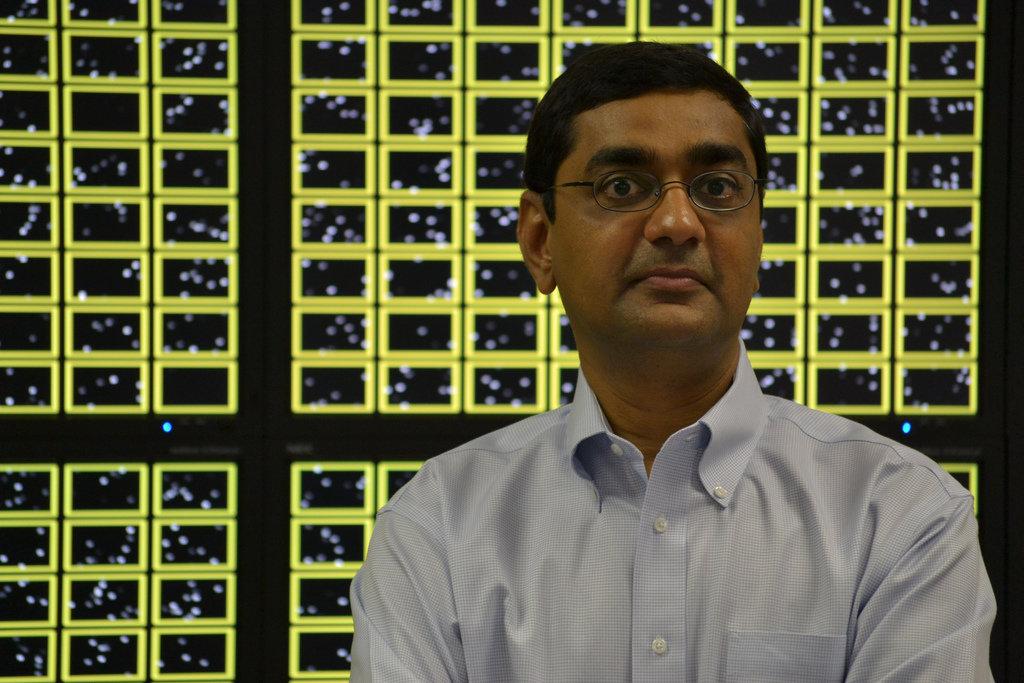 """Dharmendra Modha, Chefforscher von SyNAPSEvor der """"Brain Wall"""""""