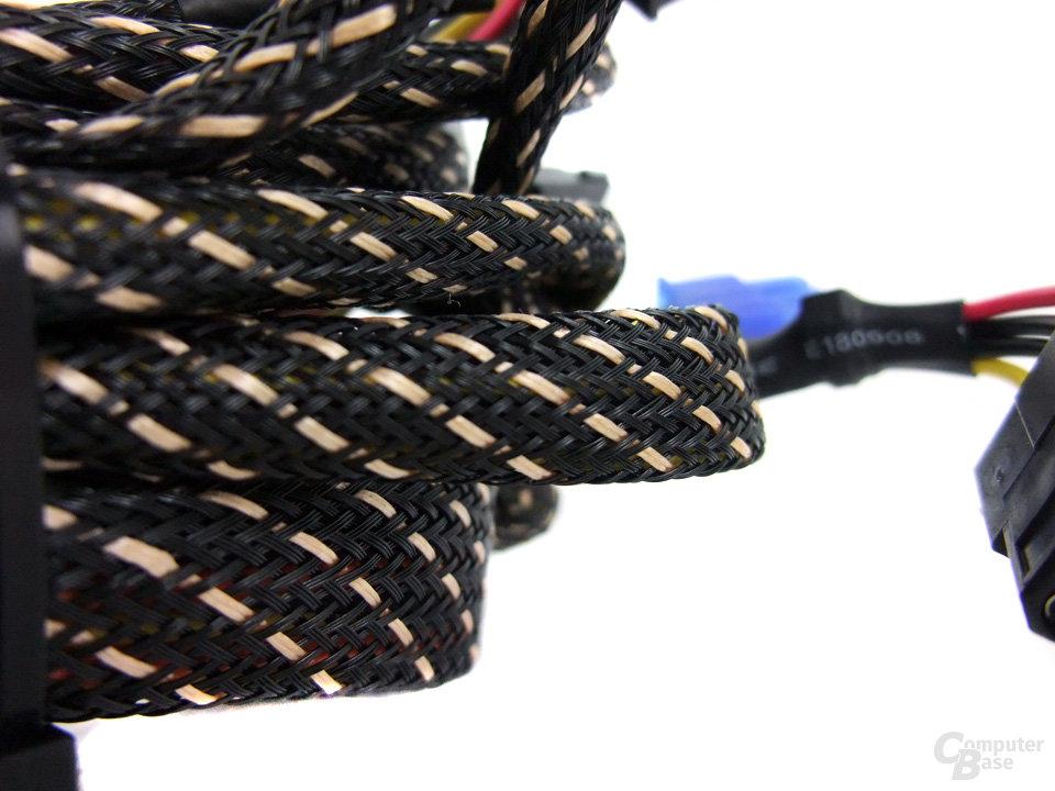 Huntkey Jumper 300G P3D – Kabel