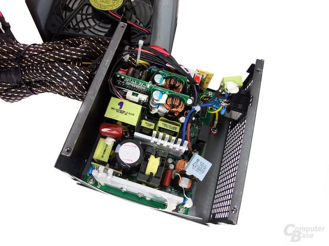 Huntkey Jumper 300G P3D – Innenraum