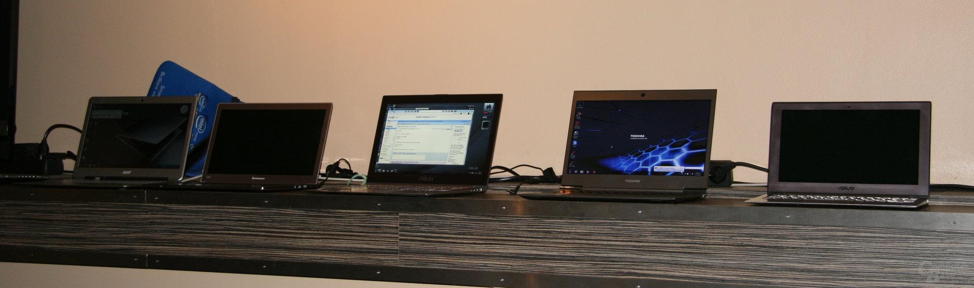 Ultrabooks von Acer, Asus, Lenovo und Toshiba im Bild