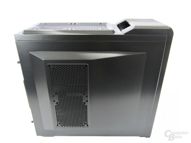 Corsair Carbide 400R – Seitenansicht links