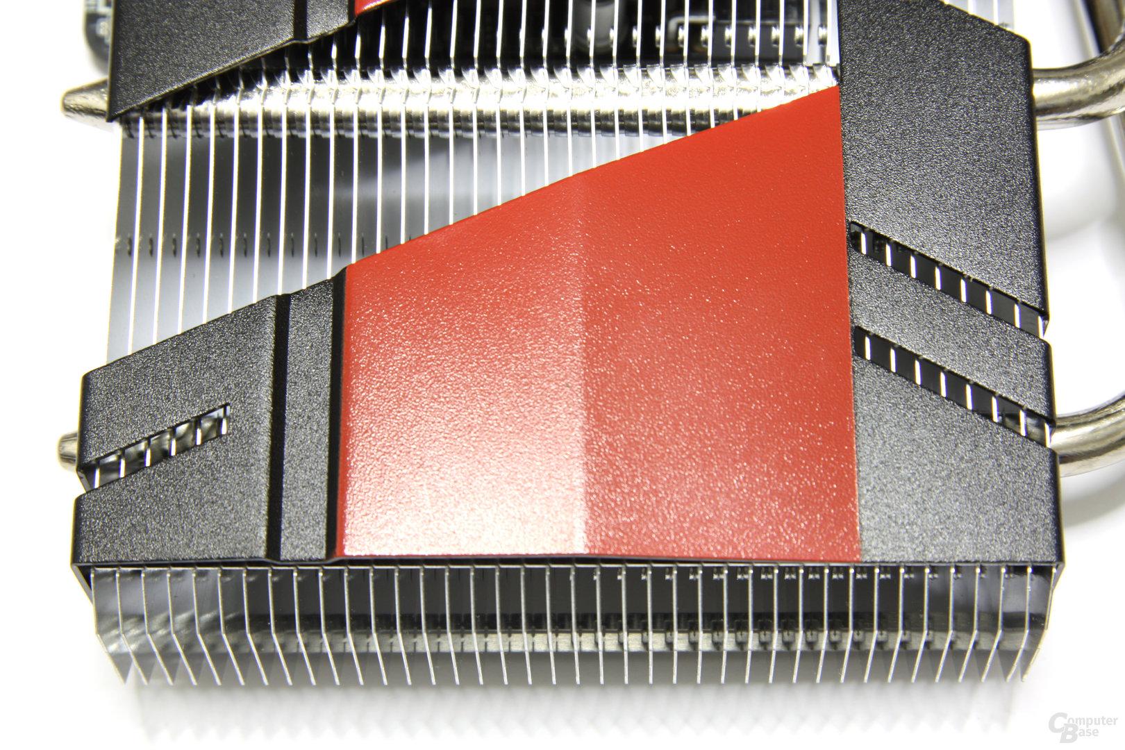 Radeon HD 6770 DirectCU Silent von oben