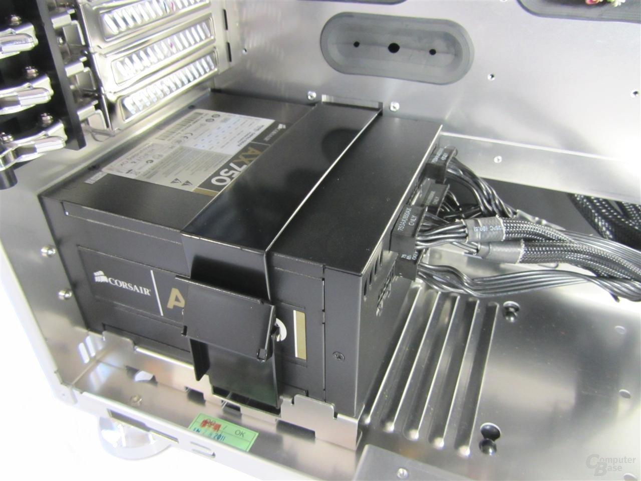 Lian Li Z70 – Innenraum mit Hardware