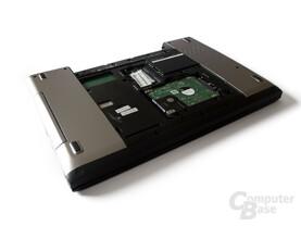 Dell Vostro 3555: Unterseite mit Festplatte und RAM