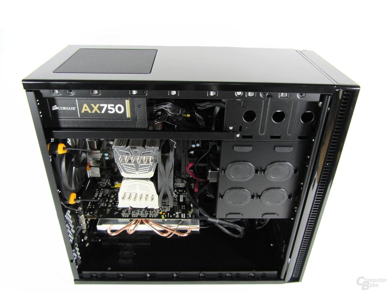 Antec Solo II – Innenraum mit eingebauter Hardware