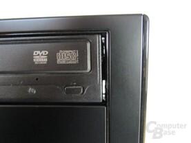 Antec Solo II – Großer Spalt nach DVD-Brenner Montage