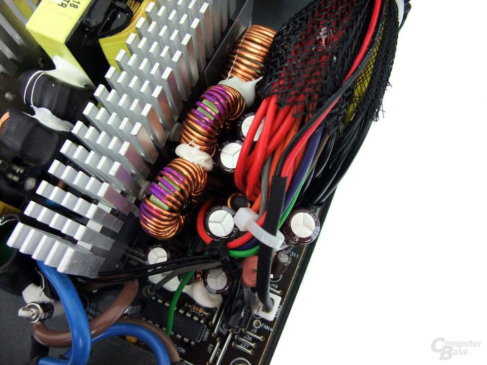 OCZ ZS 650W - sekundärer Bereich