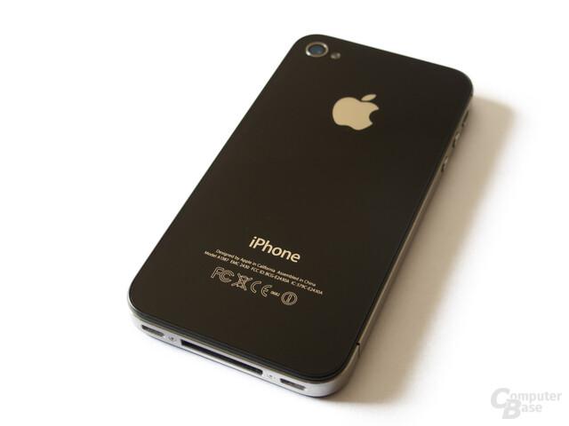 Alles wie gehabt: Die Rückseite des iPhone 4S