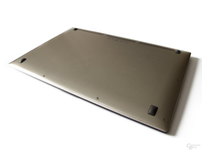 Asus Zenbook UX31E: Schlichte Unterseite