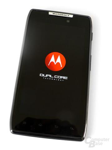 Motorola Razr: Die Potenz der Hardware wird bereits im Bootscreen betont