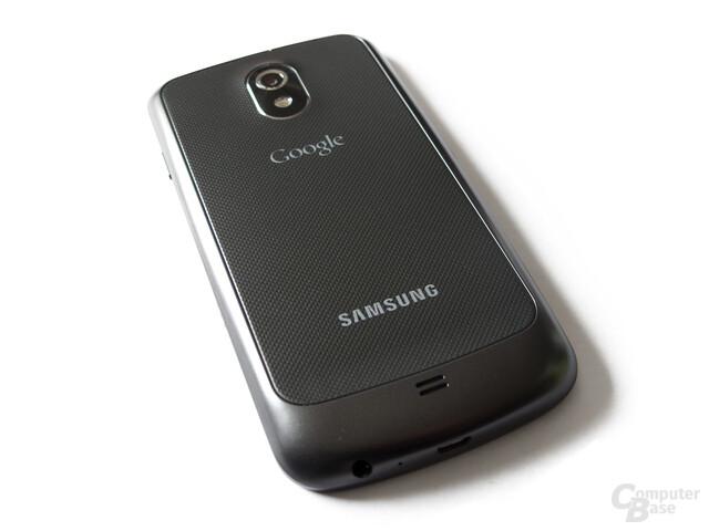 Samsung Galaxy Nexus: Strukturierter, aber sehr dünner Akkudeckel