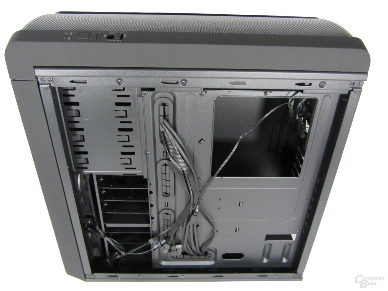 BitFenix Raider - Rückseite Mainboardträger