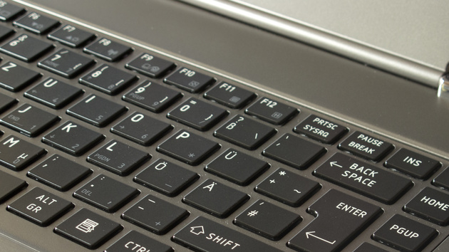 Toshiba Satellite Z830 im Test: Intel Ultrabook in der japanischen Interpretation