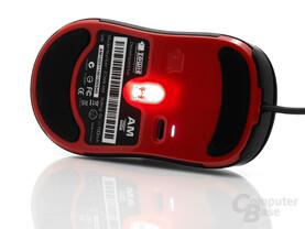 Große Gleitfüße, cpi-Schalter und rotes LED-Licht