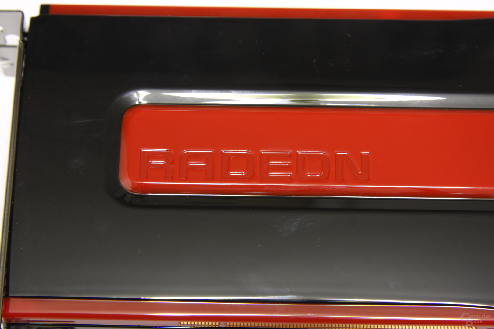 Radeon HD 7950 Schriftzug