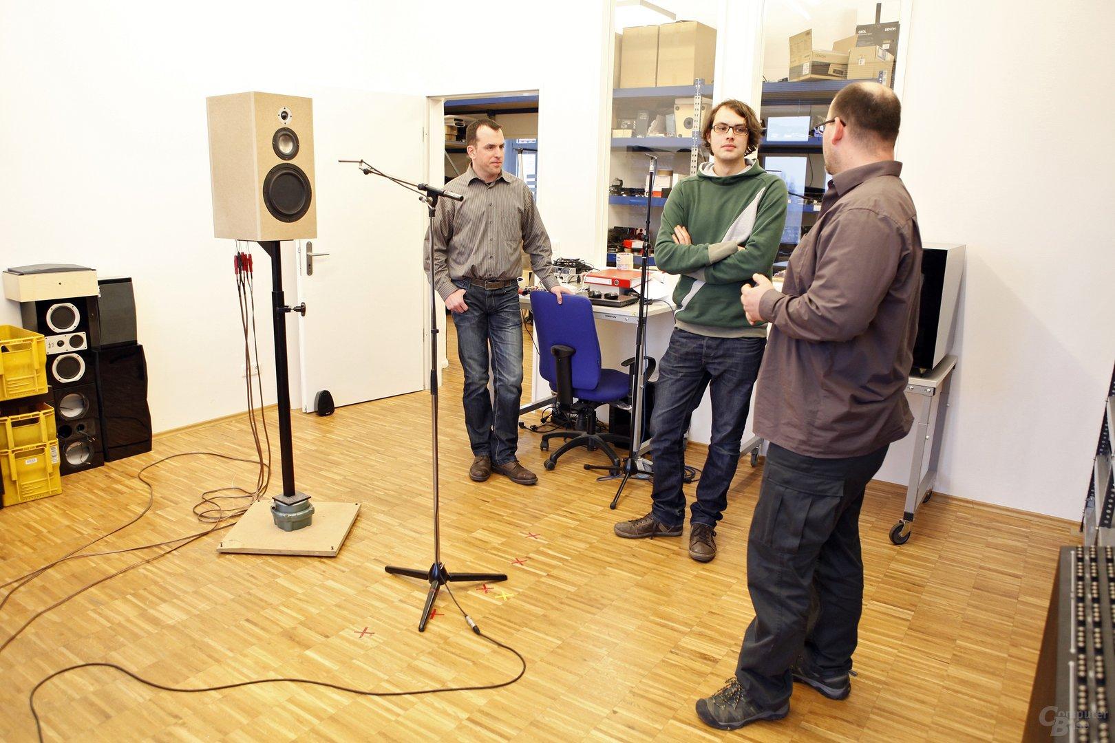 Mit den Teufel Akustik-Entwicklern beim Lautsprecher messen