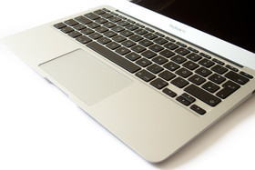 Apple MacBook Air (2011)