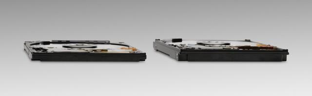 Hitachi Travelstar Z7K500 neben 9,5-Millimeter-HDD